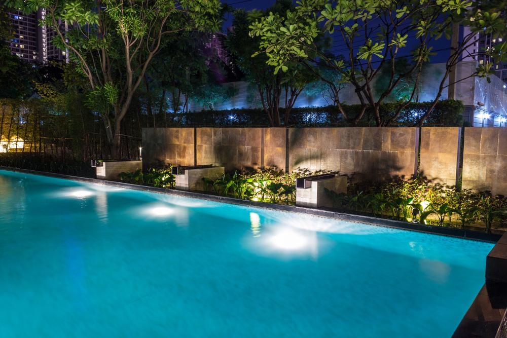 éclairage d'une piscine enterrée