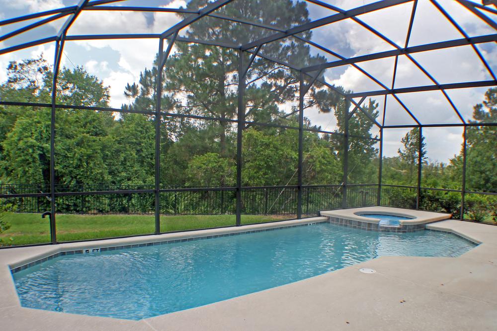 dôme en verre pour une piscine