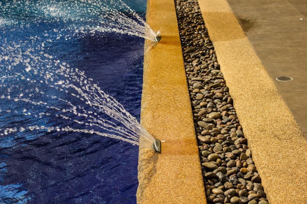 jets d'eau piscine